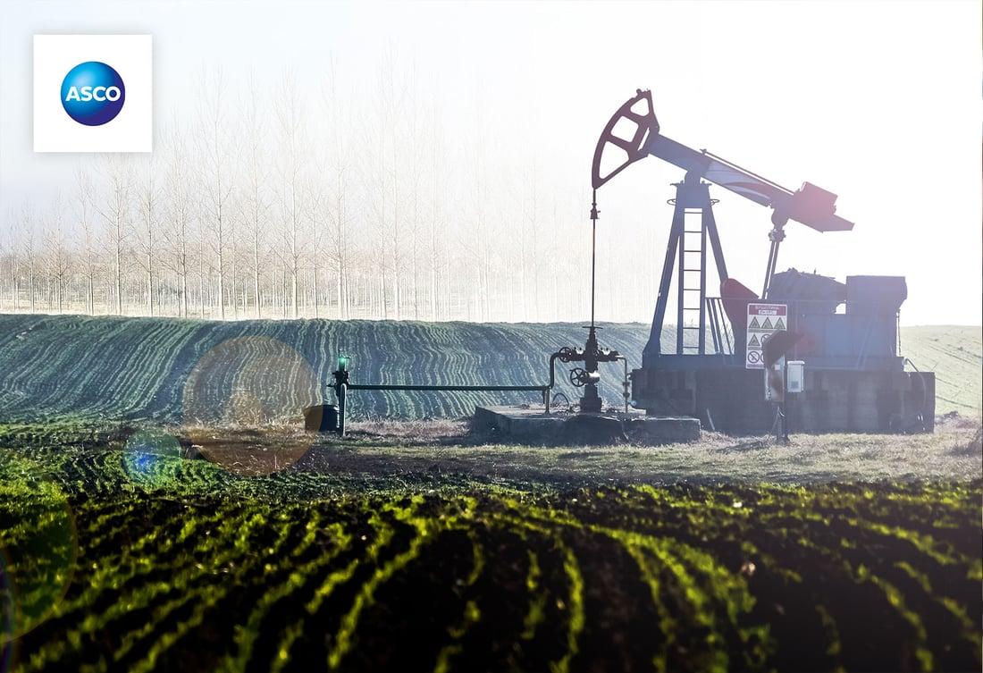 sm-asco-oil-rig-in-a-green-field